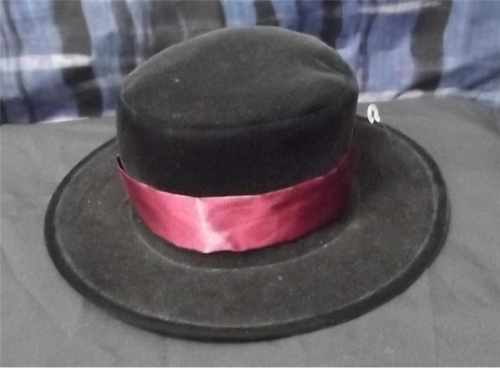 Picture of Deluxe Velvet Adult Top Hat