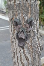Picture of Screaming Halloween Tree Face