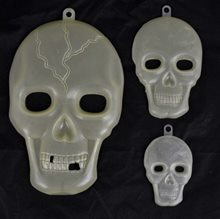 Picture of Glow in the Dark Skulls 3ct